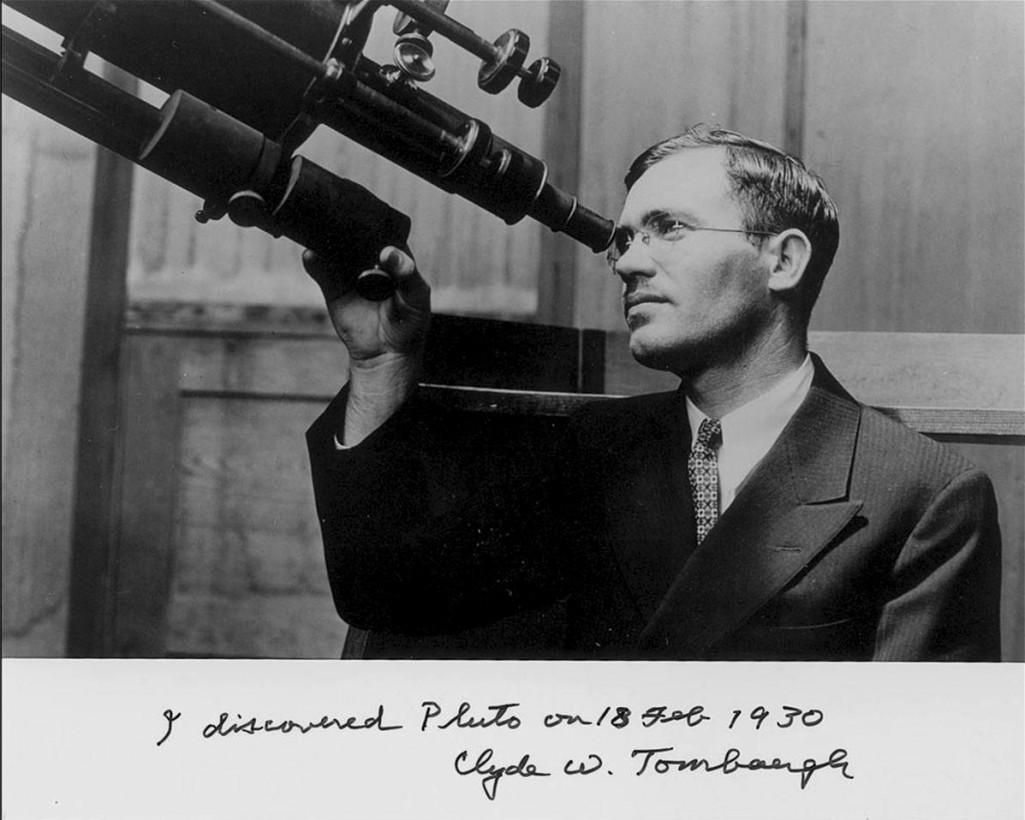 Clyde William Tombaugh a découvert Pluton en 1930.