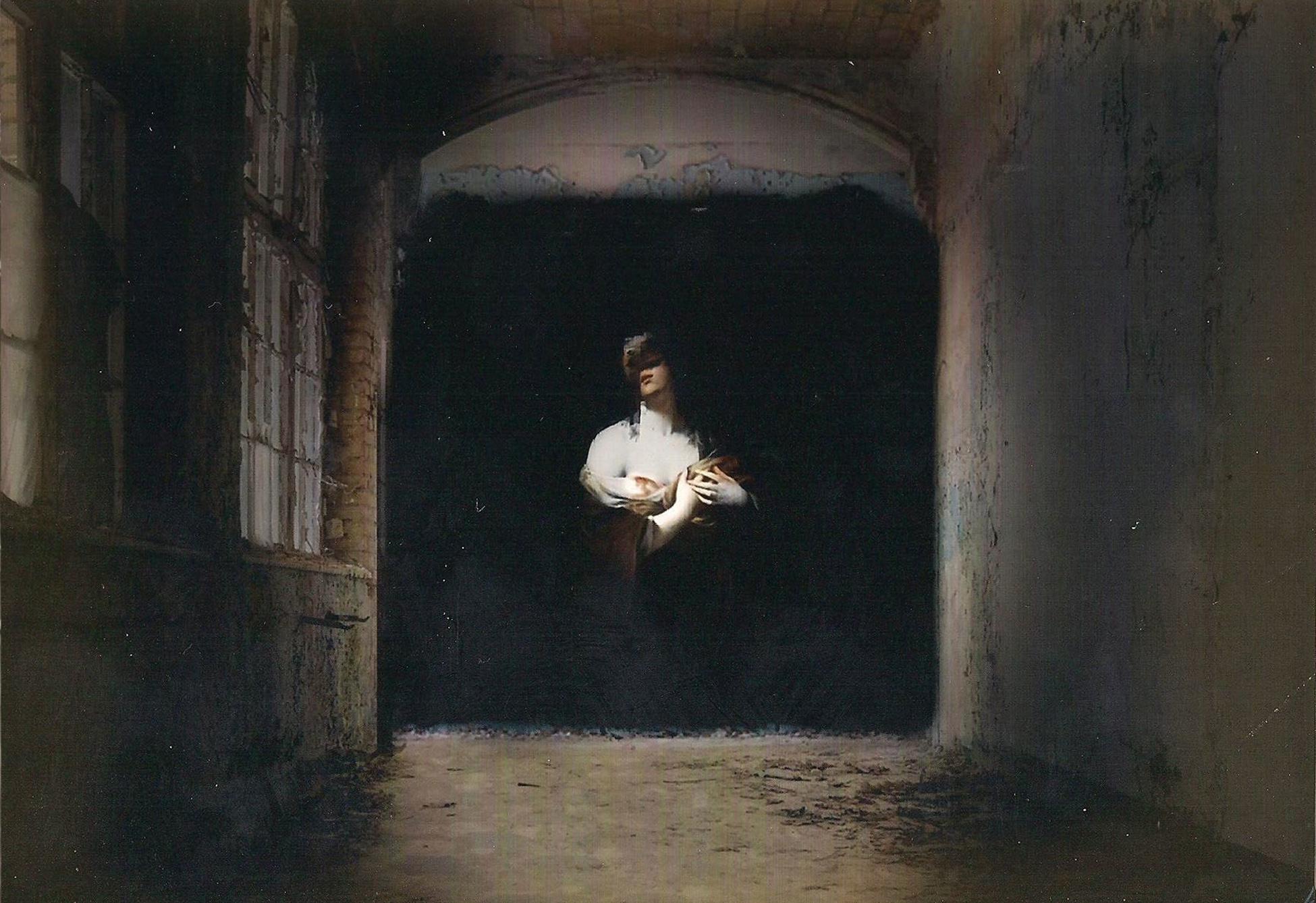 Des Peintures Baroques Surgissent De L Obscurite