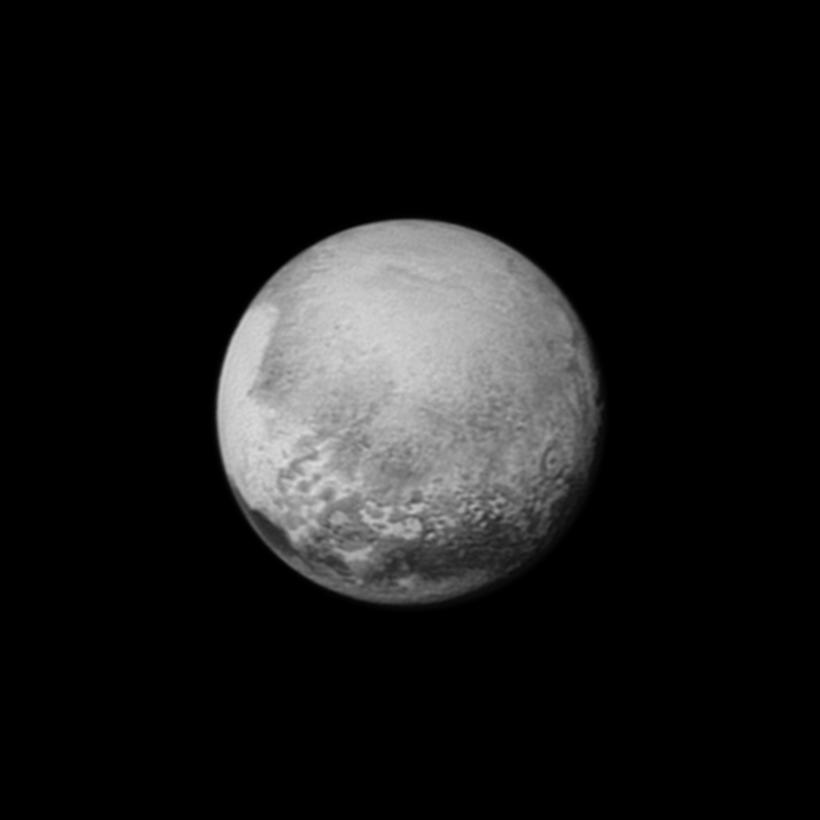 Pluton le 13 juillet 2015
