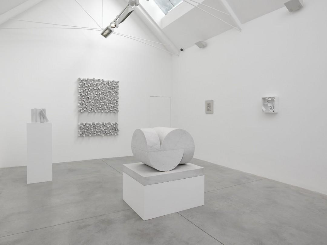 sculpture-abstraite-monochrome-07
