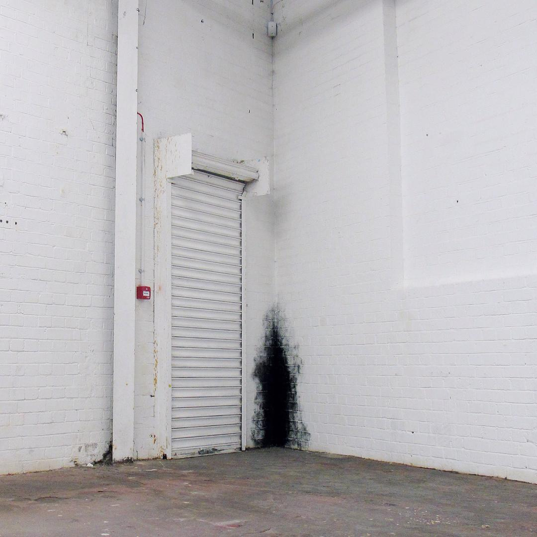 dirty_corner-anish-kapoor