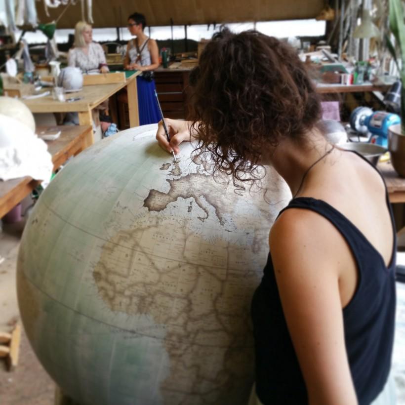 fabrication-globe-terrestre-artisanale-03