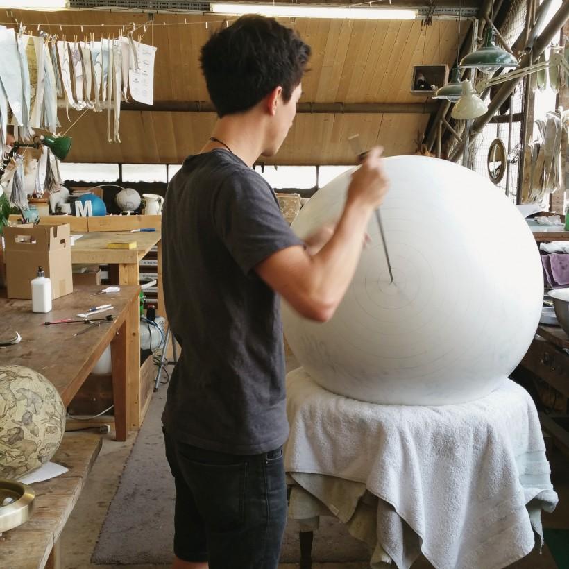 fabrication-globe-terrestre-artisanale-04