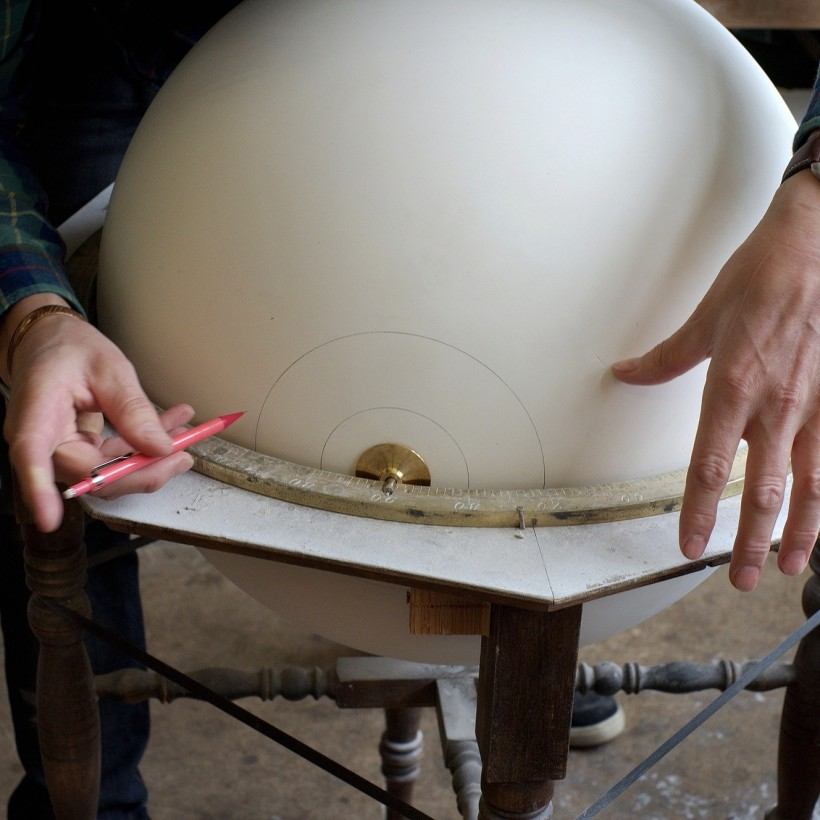 fabrication-globe-terrestre-artisanale-09