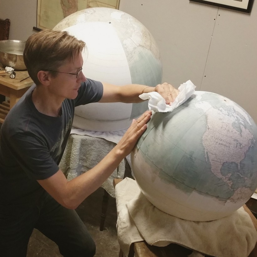 fabrication-globe-terrestre-artisanale-10