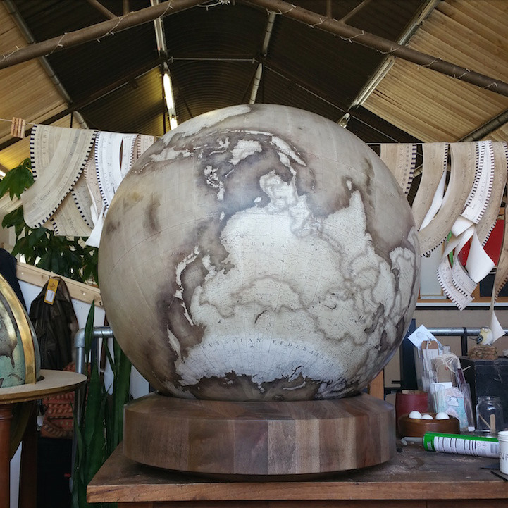 fabrication-globe-terrestre-artisanale-13