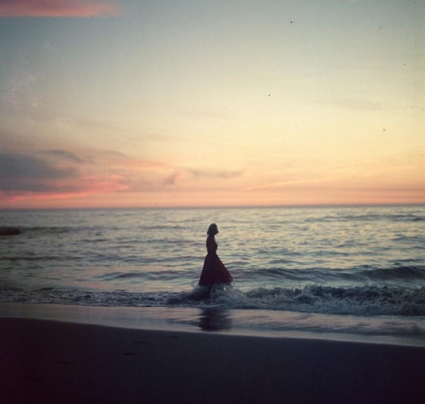 femme-ocean-ancien-photo-mystere-04