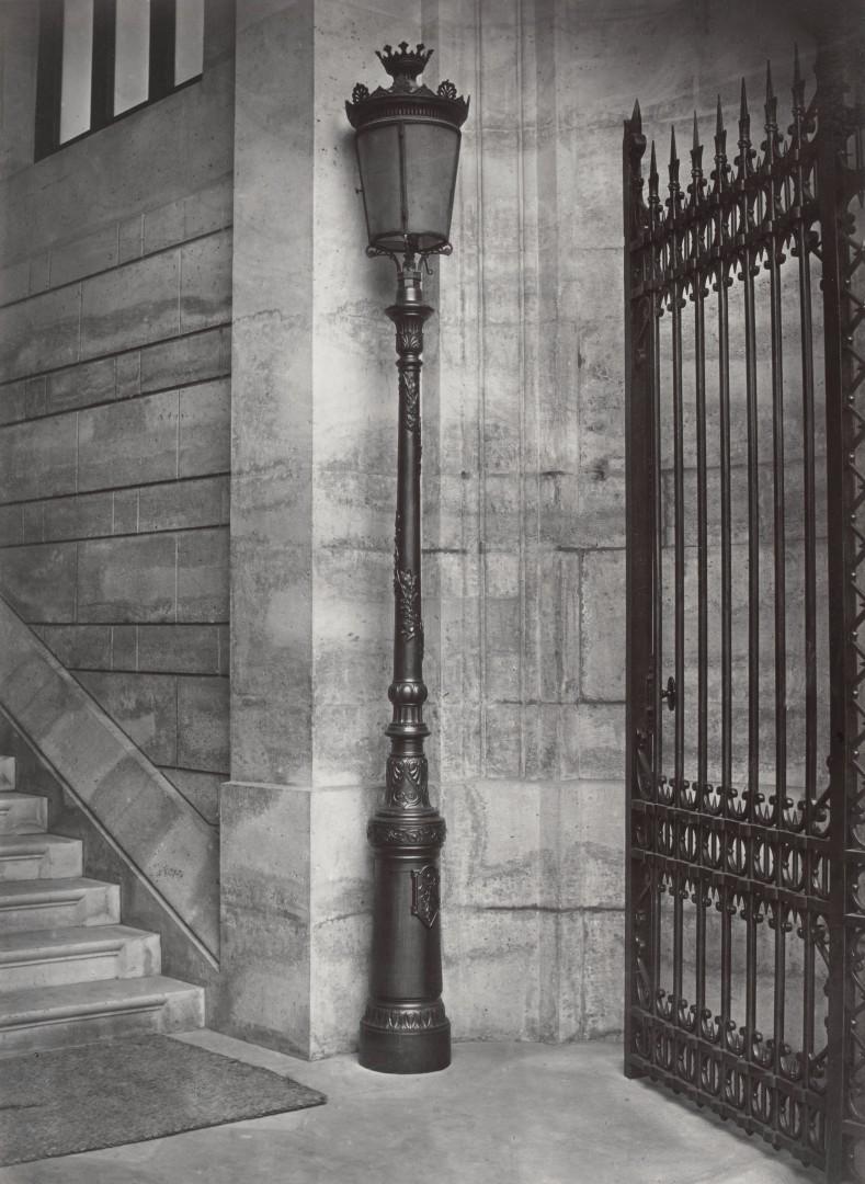 Lampadaire_Paris_Charles_Marville_École_des_Mines_1878