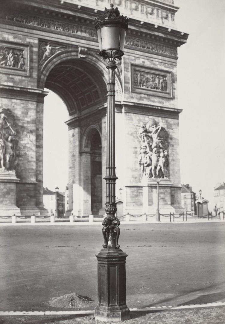 Lampadaire_Paris_Charles_Marville_Arc_de_Triomphe_1878