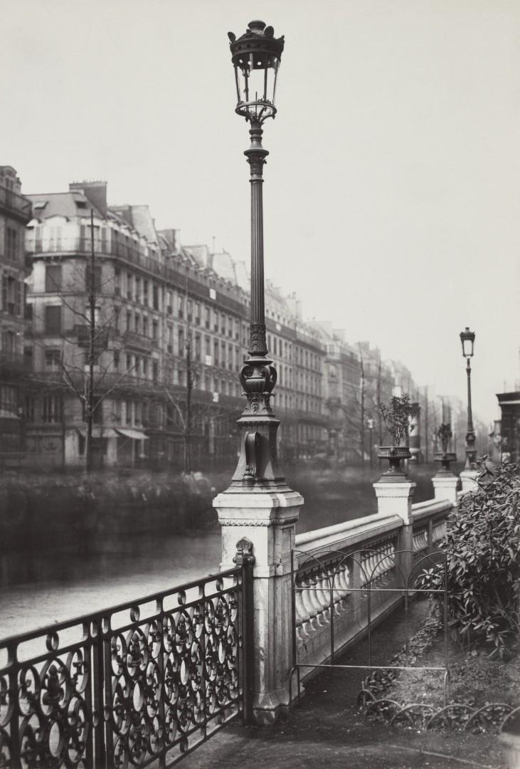 Lampadaire_Paris_Charles_Marville_Arts_et_Metiers_ancien_modèle_1878