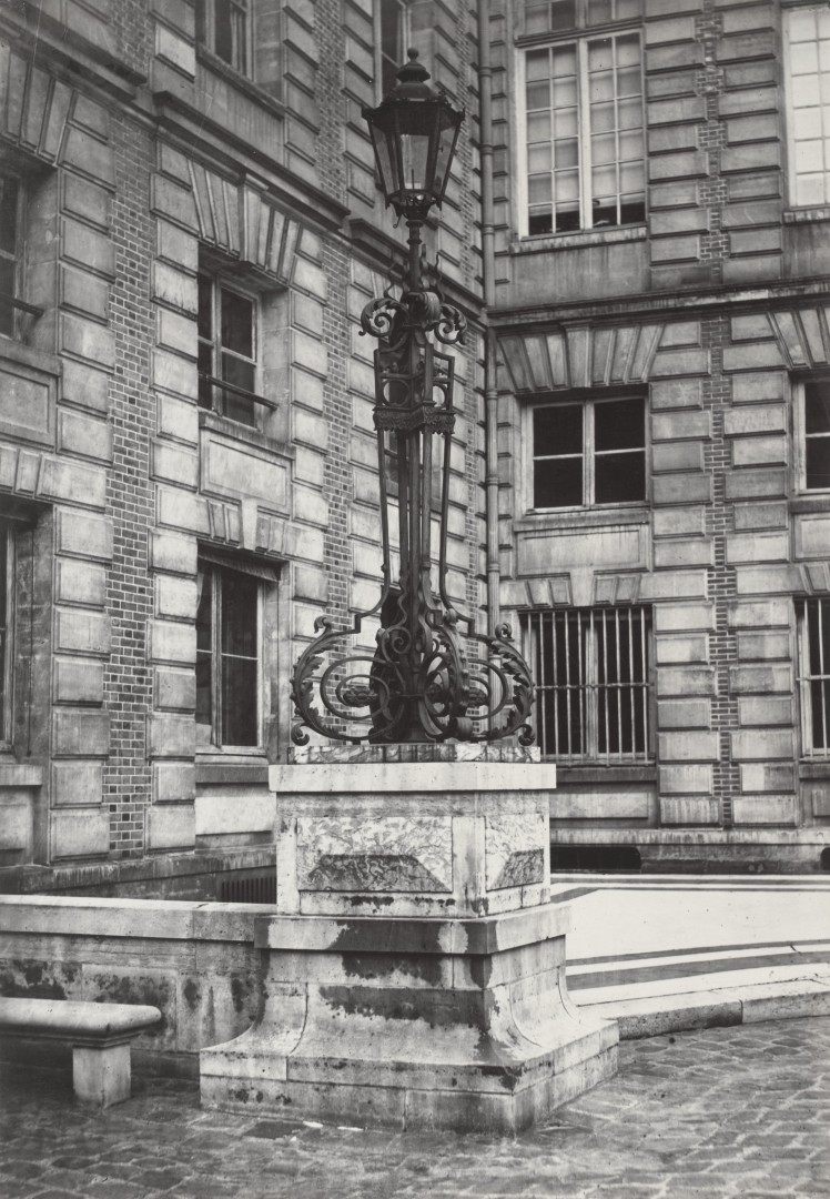 Lampadaire_Paris_Charles_Marville_Bibliothèque_Nationale_1878
