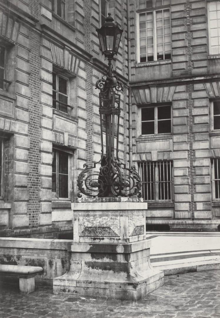 Lampadaire_Paris_Charles_Marville_Bibliothèque_Nationale_1878