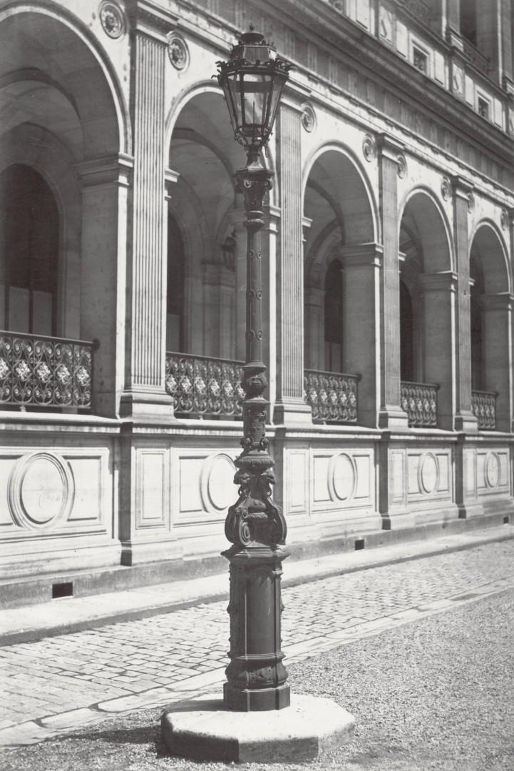 Lampadaire_Paris_Charles_Marville_Cour_des_Comptes_1878