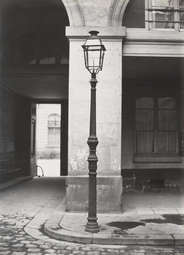 Lampadaire_Paris_Charles_Marville_Hotel_de_la_Marine_1878
