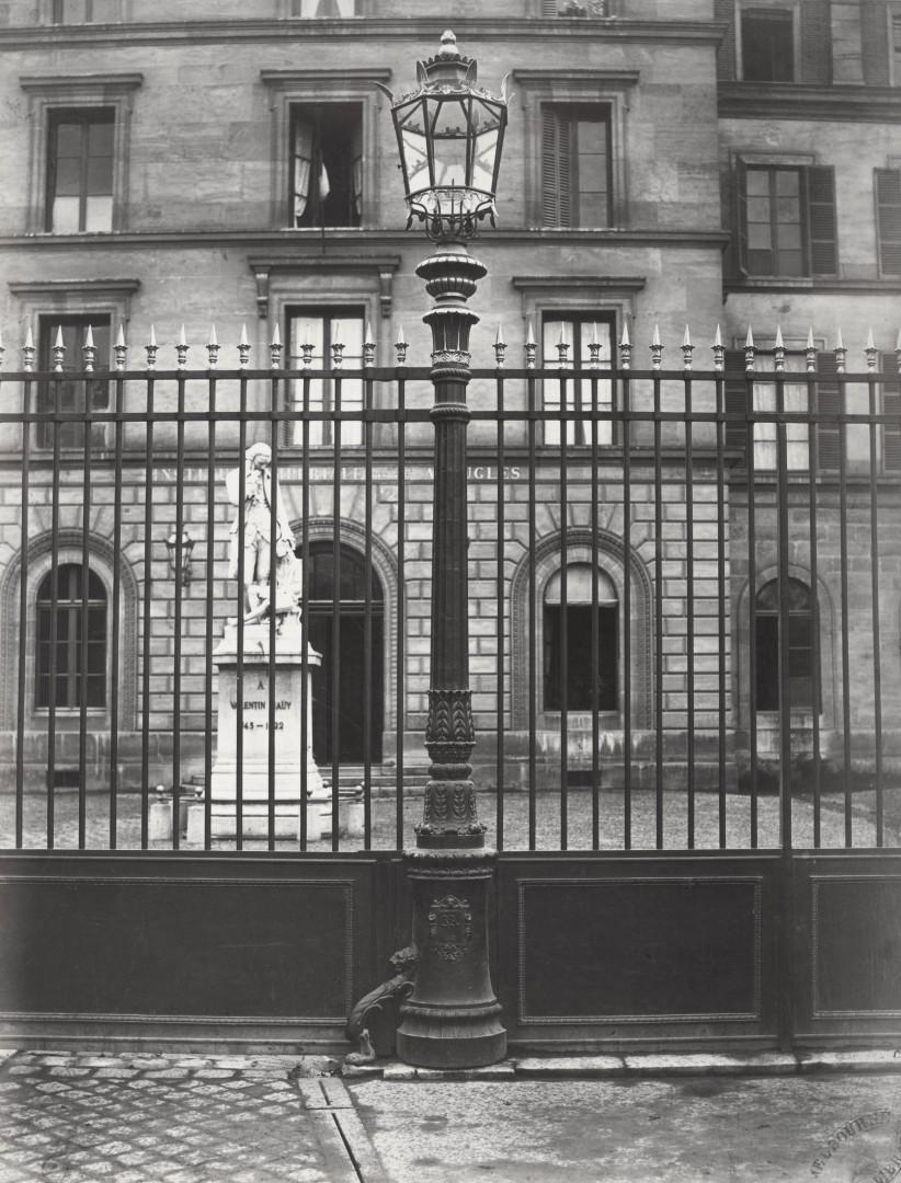 Lampadaire_Paris_Charles_Marville_Jeunes_Aveugles_1878