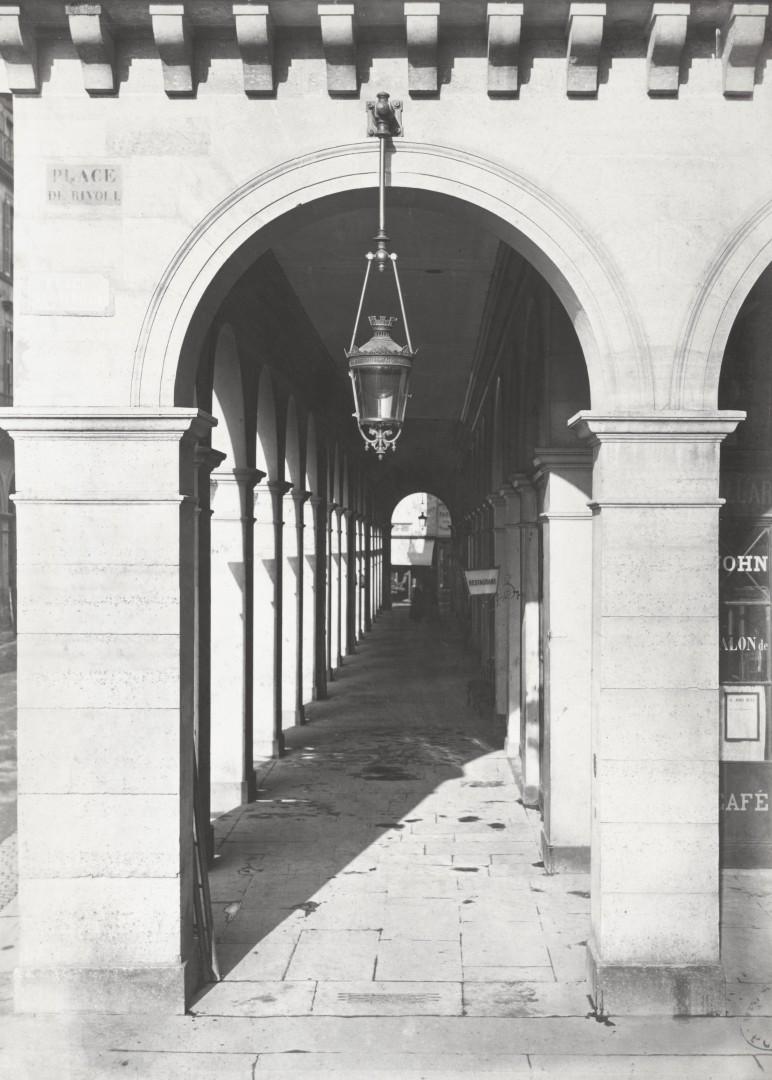 Lampadaire_Paris_Charles_Marville_Lanterne_suspendue_1878