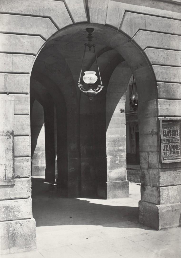 Lampadaire_Paris_Charles_Marville_Lanterne_suspendue_Odeon_1878