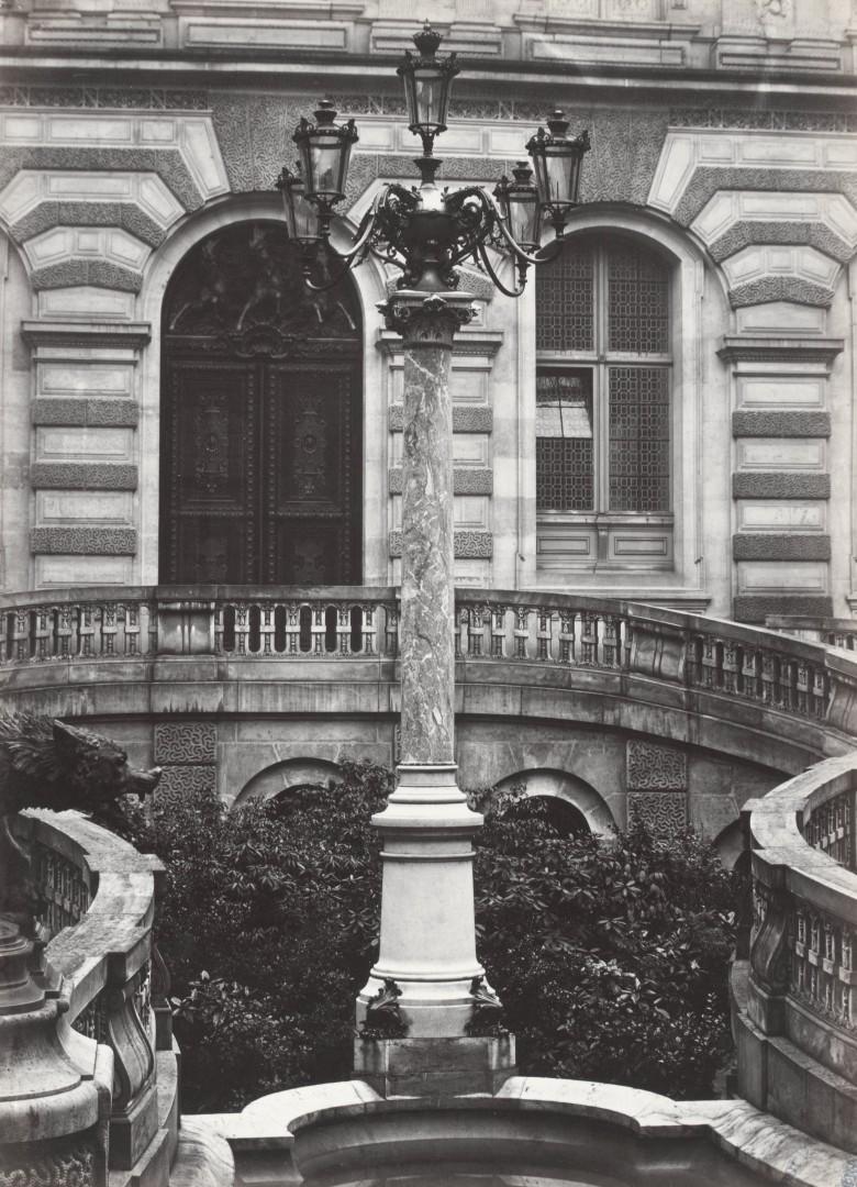 Lampadaire_Paris_Charles_Marville_Louvre_Cour_Caulaincourt_1878