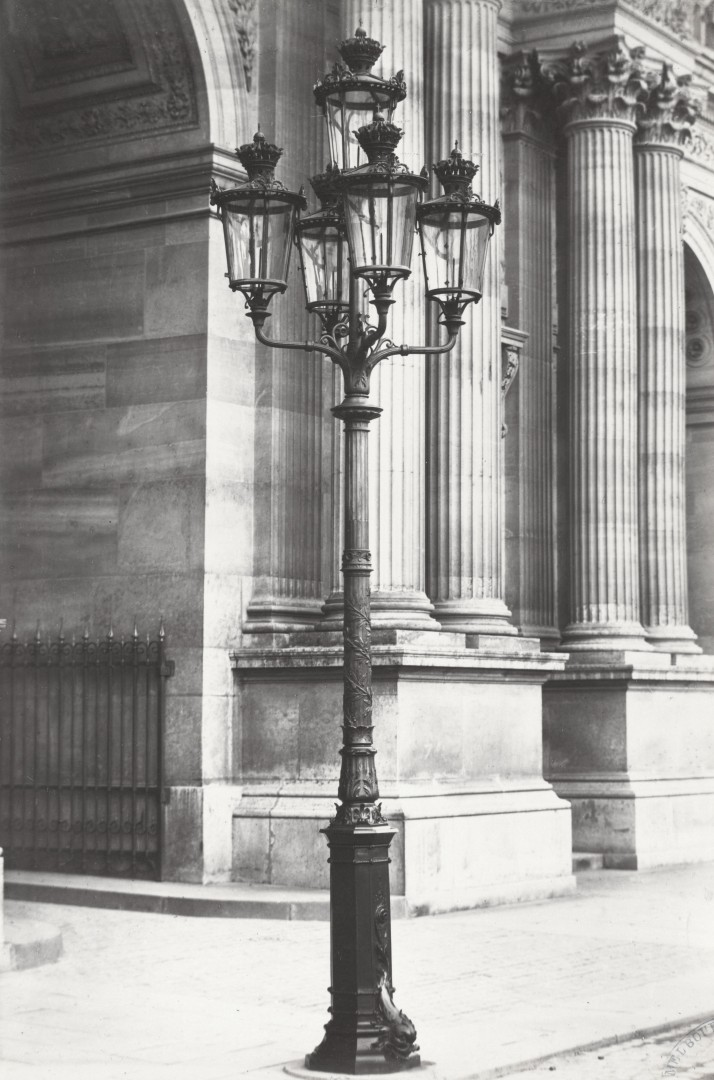 Lampadaire_Paris_Charles_Marville_Louvre_Place_du_Carrousel_1878