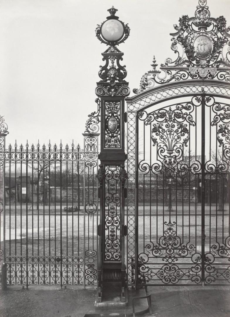 Lampadaire_Paris_Charles_Marville_Parc_Monceau_Globe_en_cristal_1878