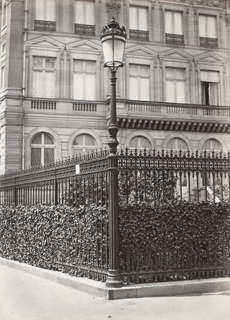 Lampadaire_Paris_Charles_Marville_Place_de_Etoile_modèle_sur_griffe_1878