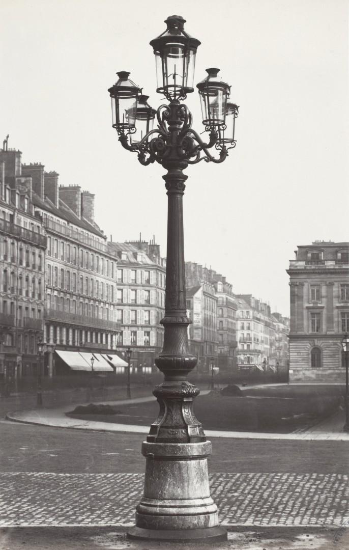 Lampadaire_Paris_Charles_Marville_Place_de_Hotel_de_Ville_1878