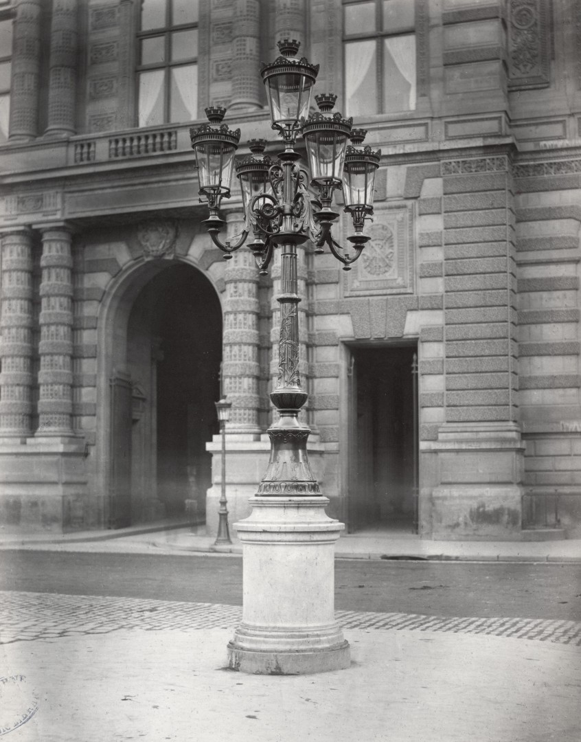Lampadaire_Paris_Charles_Marville_Place_du_Palais_Royal_1878