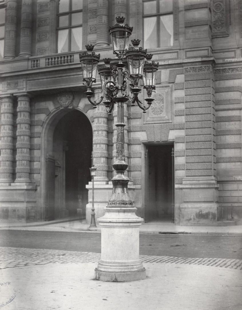 Lampadaire_Paris_Charles_Marville_Place_du_Palais_Royal_1878