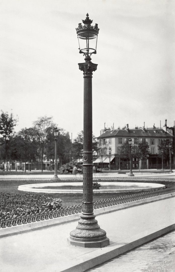Lampadaire_Paris_Charles_Marville_Rond_point_des_Champs_Elysees_1878