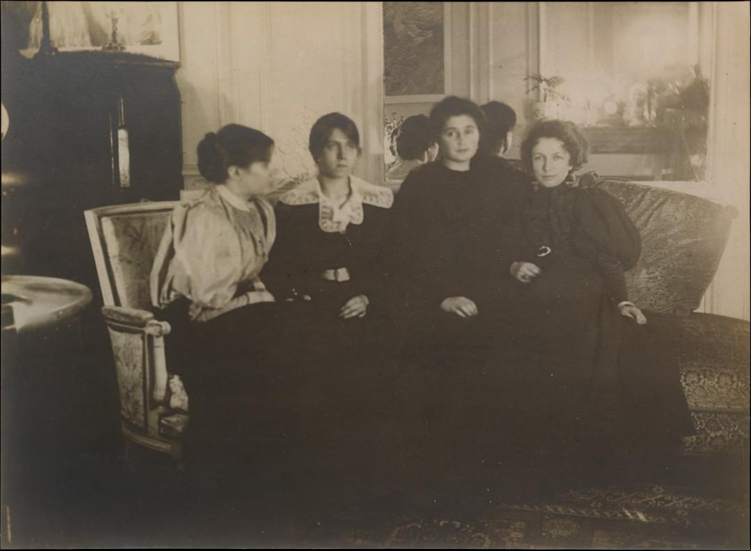 Paule Gobillard, Jeannie Gobillard, Julie Manet, et Geneviève Mallarmé