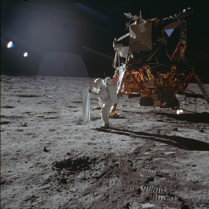 sac-poubelle-lune-04