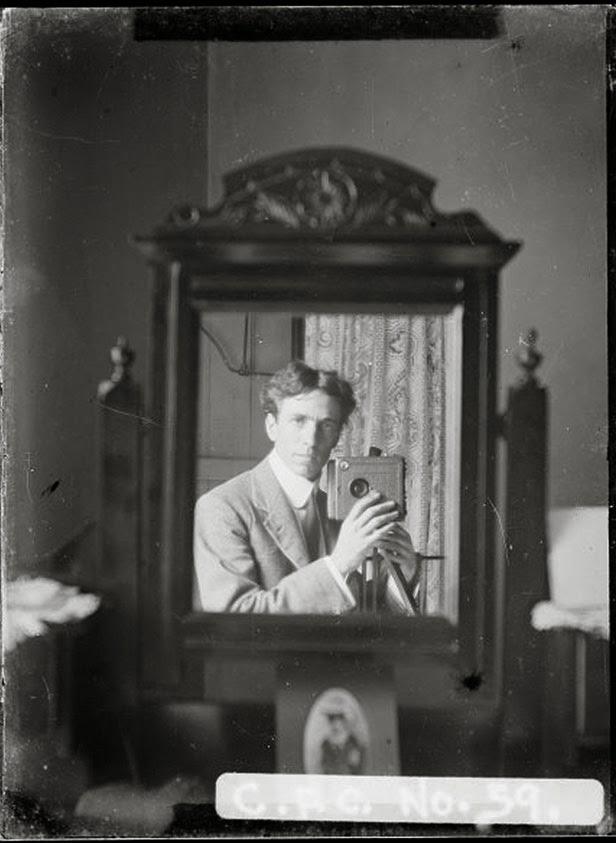 vieux-selfie-mirroir-autoportrait-03