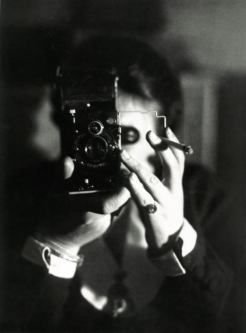 vieux-selfie-mirroir-autoportrait-09-gemaine-krull-1925