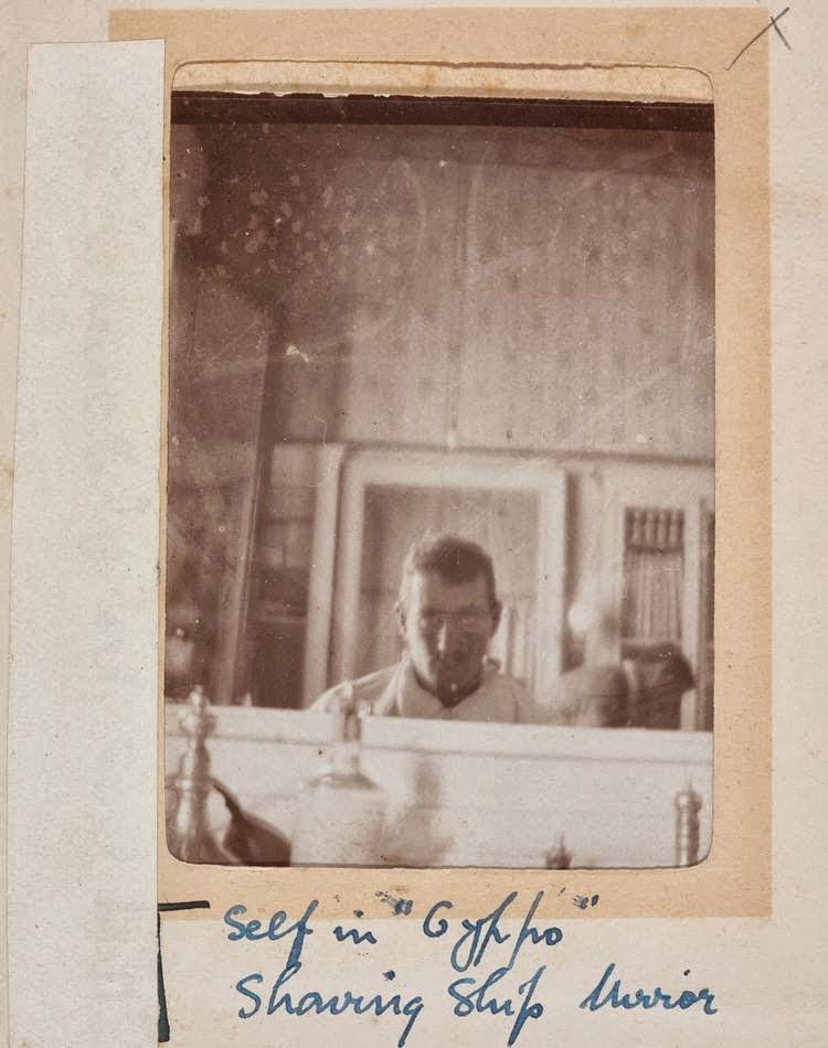 vieux-selfie-mirroir-autoportrait-14
