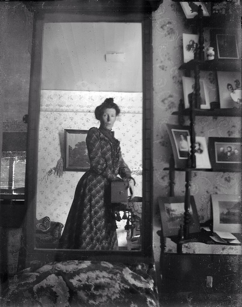 Vieux selfie mirroir autoportrait 20 la boite verte for Miroir a l ancienne