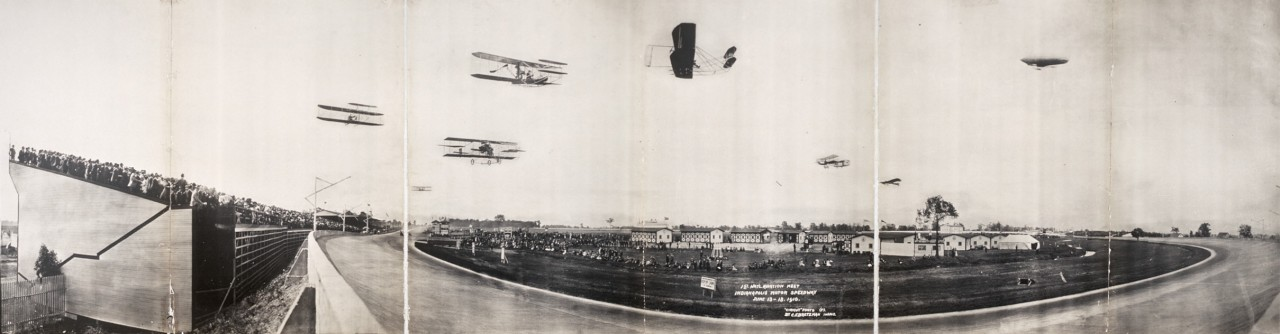 Des photos panoramiques anciennes de véhicules (Reportage photo) By Laboiteverte 02-1st-Natl-Aviation-Meet-Indianapolis-Motor-Speedway-June-13-18-1910-1280x334