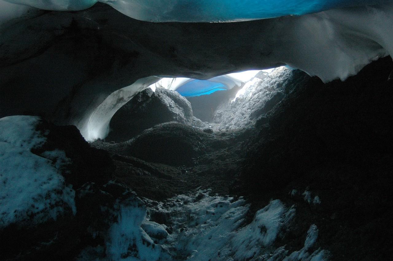 Une autre grotte de glace, proche du volcan Erebus - Peter Rejcek