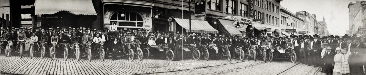 Le club de motards de Butte - 1914