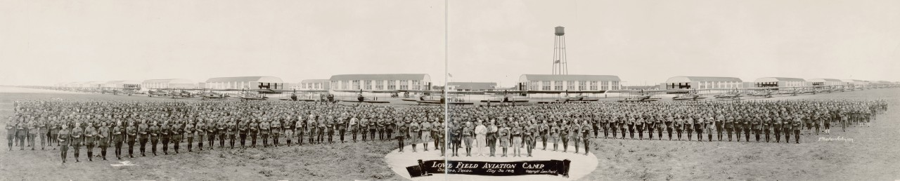 Des photos panoramiques anciennes de véhicules (Reportage photo) By Laboiteverte 25-Love-Field-Aviation-Camp-Dallas-Texas-May-30-1918-1280x258
