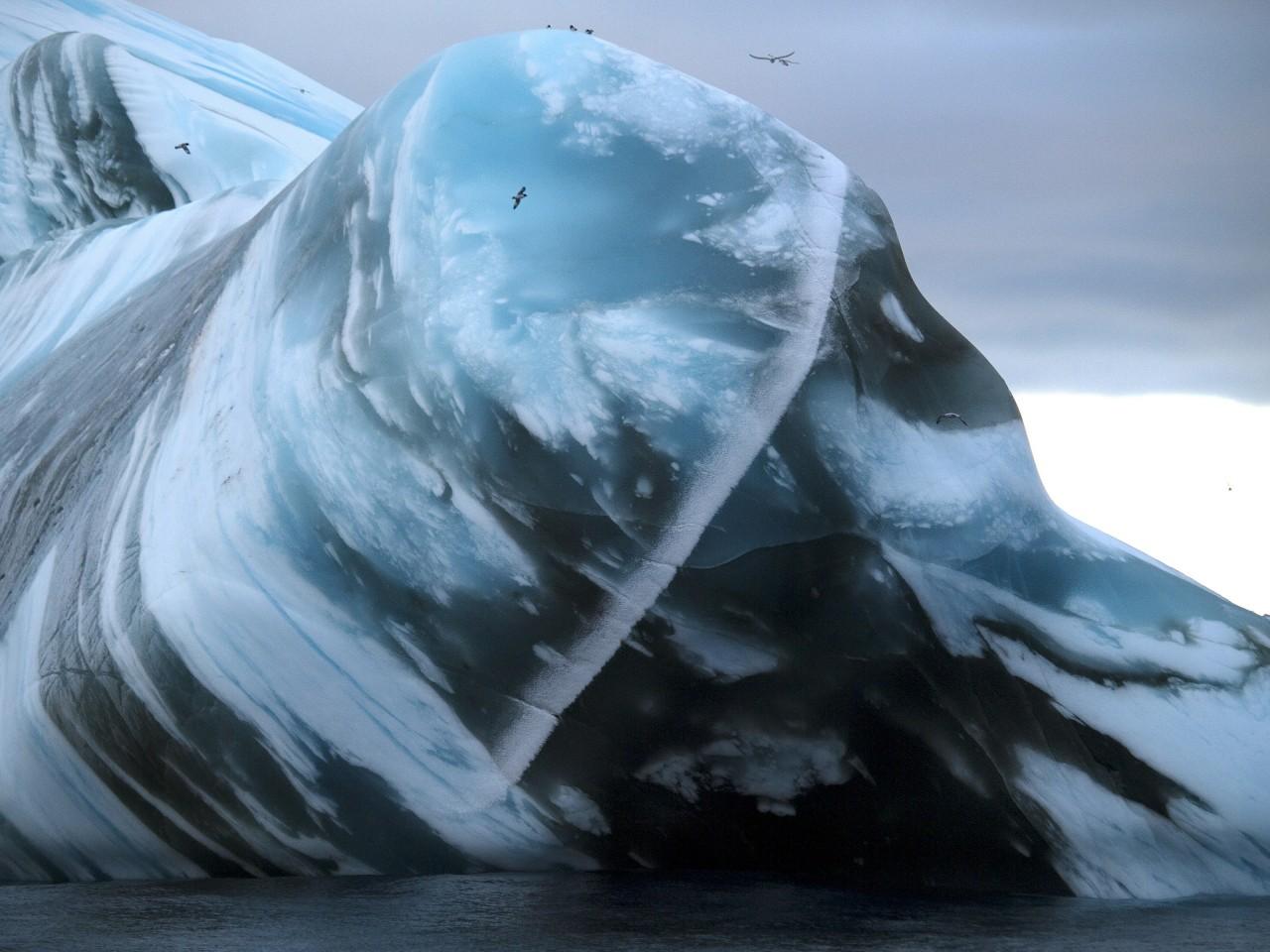 Un iceberg - Ethan Norris