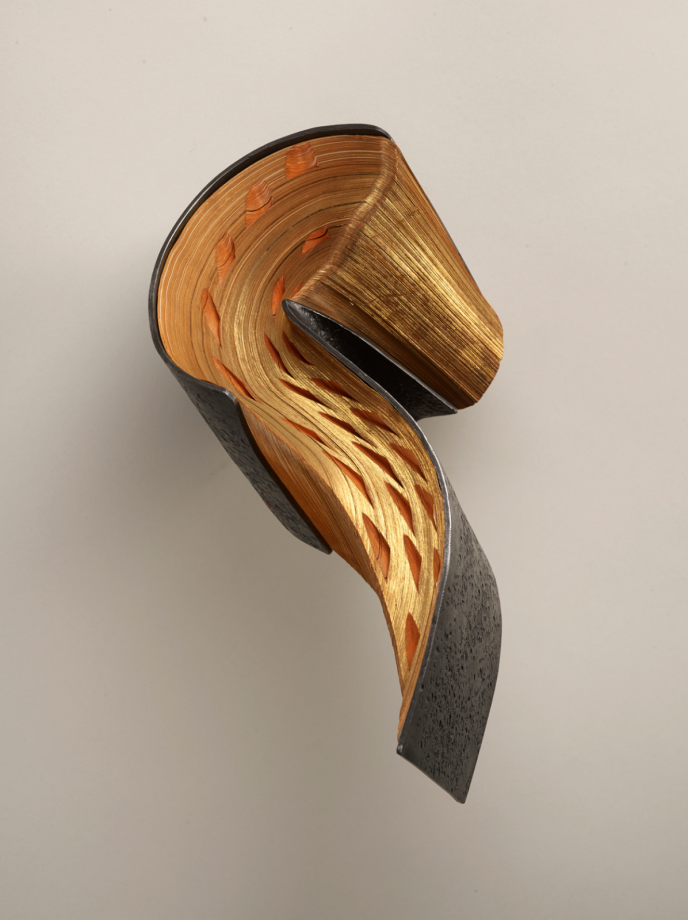 livre-metal-sculpture-01