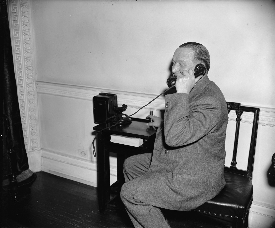 photo-ancienne-telephone-vintage-allo-75
