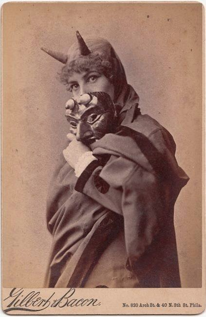vintage-ancien-costume-deguisement-halloween-02