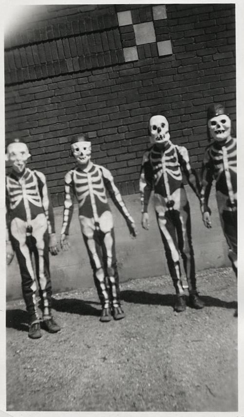 vintage-ancien-costume-deguisement-halloween-03