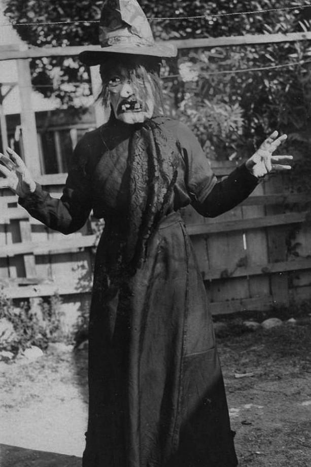 vintage-ancien-costume-deguisement-halloween-14