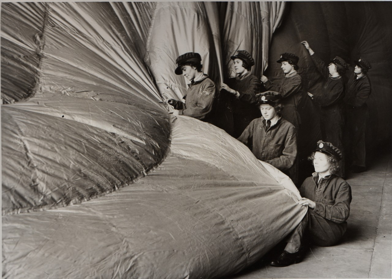 waf-ballon-barrage-fabrication-femme-02