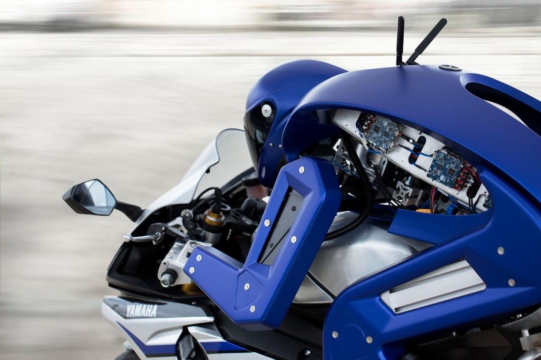 yamaha-robot-motard-03