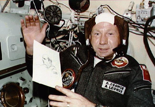 Leonov n'a pas pu s'empêcher de faire un dessin de Stafford.