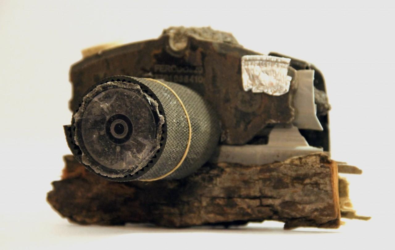 sculpture-appareil-photo-debrisl-04