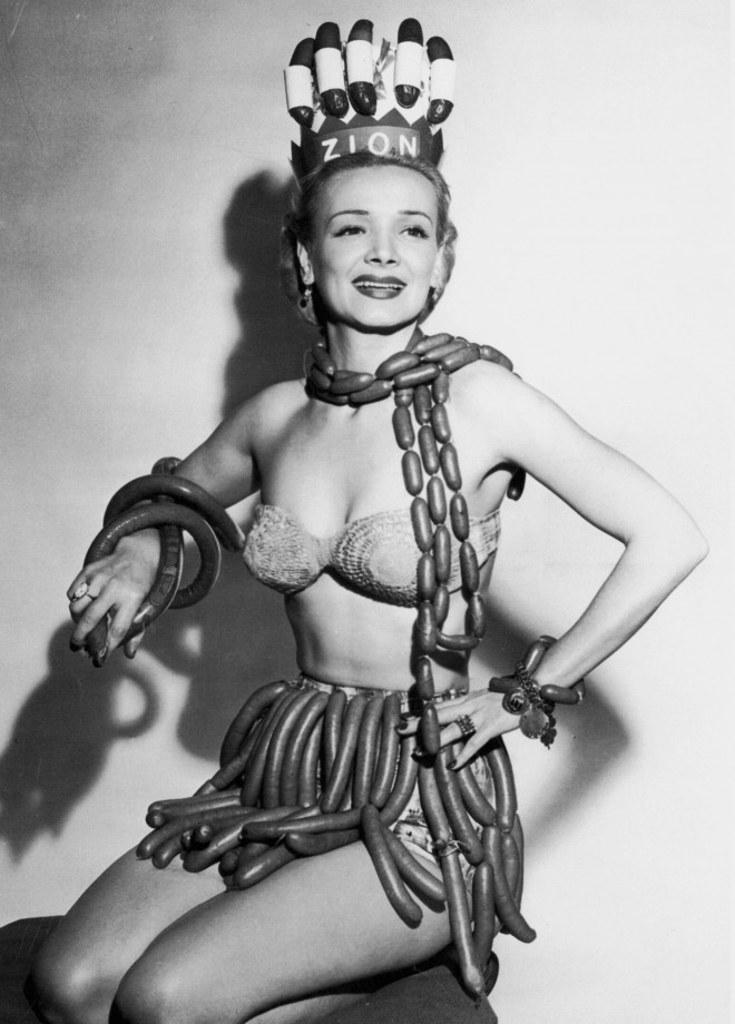 La reine de la saucisse - Sponsorisé par la Zion Meat Company durant la semaine du Hot Dog 1955